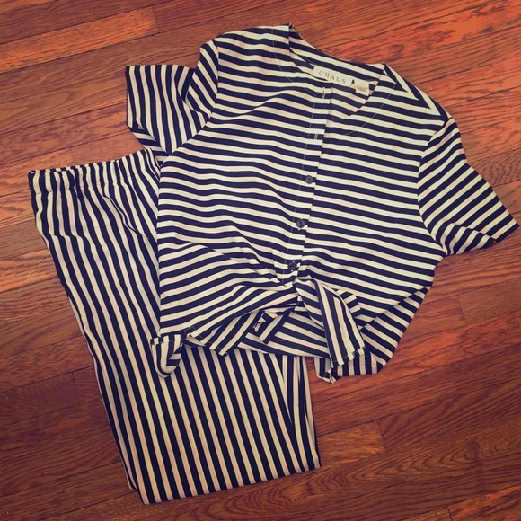 644fb8d61a Vintage navy striped two piece jumpsuit set. M 5b147f1034a4efc1b28c8682